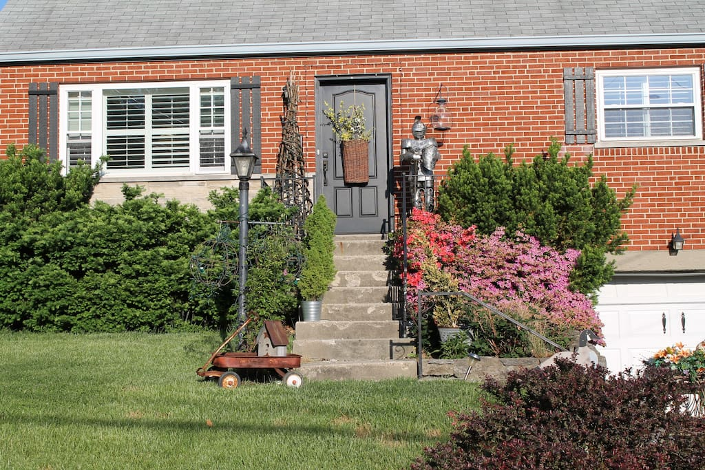 Single family cape cod case in affitto a cincinnati for Case modello cape cod
