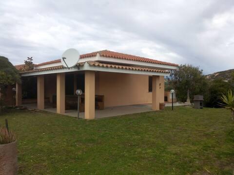 Villa a 500 m del mar a peu