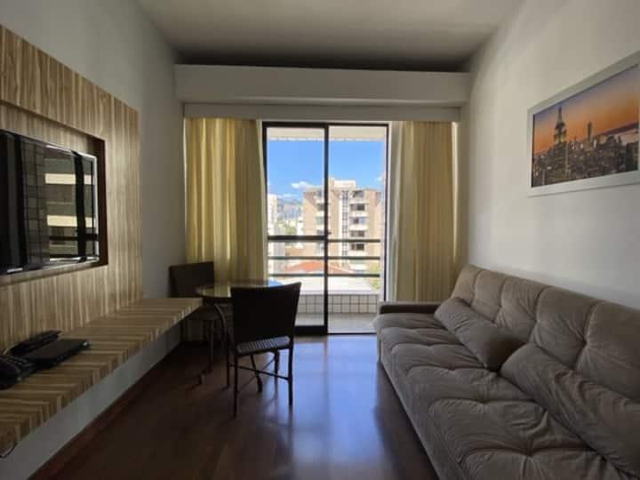Apartamento prático e perto de tudo
