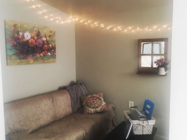 Redding's Finest Backyard Cottage **Near Downtown