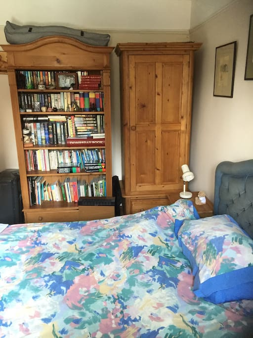 Double room with cupboard for guests