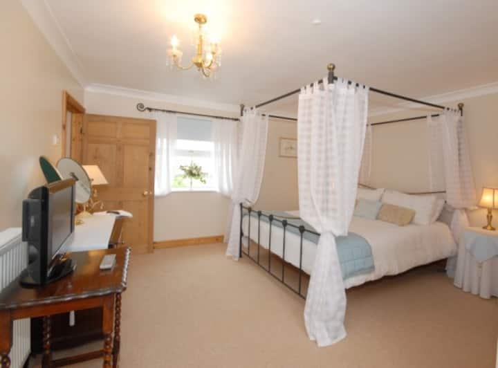 Double room on a farm with great countryside view