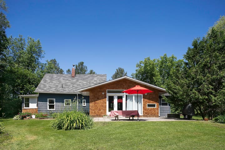 Charming cottage in the Townships