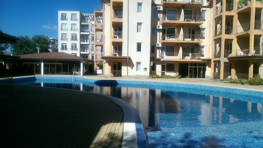 Сдается 3-х комнатная квартира - Sunny Beach - Apartment