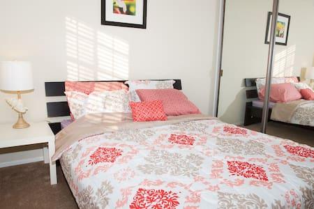 Cozy Vacation TownHouse 3bds - 哈仙达冈(Hacienda Heights) - 连栋住宅