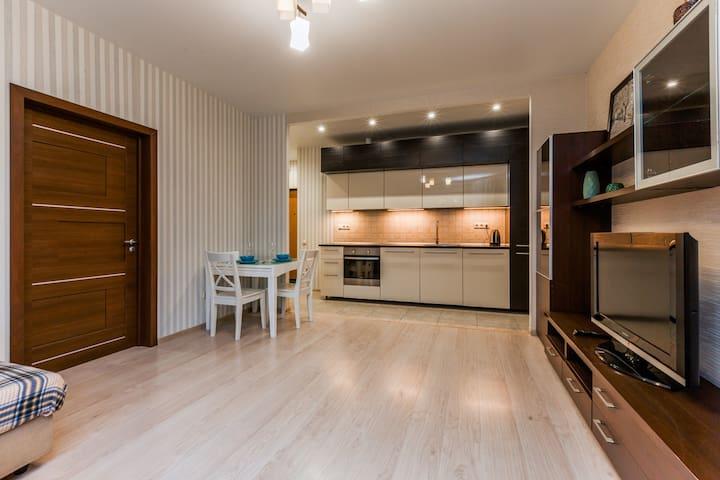 Comfortable apartment (5 minutes to metro)