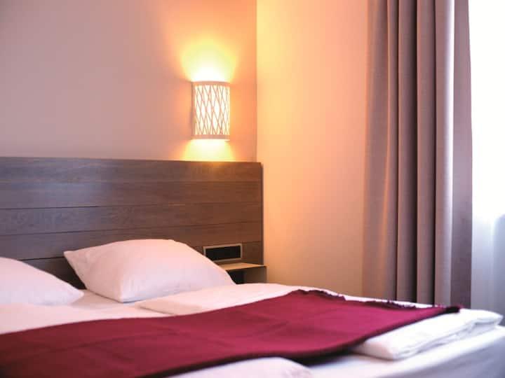Hotel Schweizer Hof (Kassel) -, Classic Doppelzimmer mit Dusche/WC