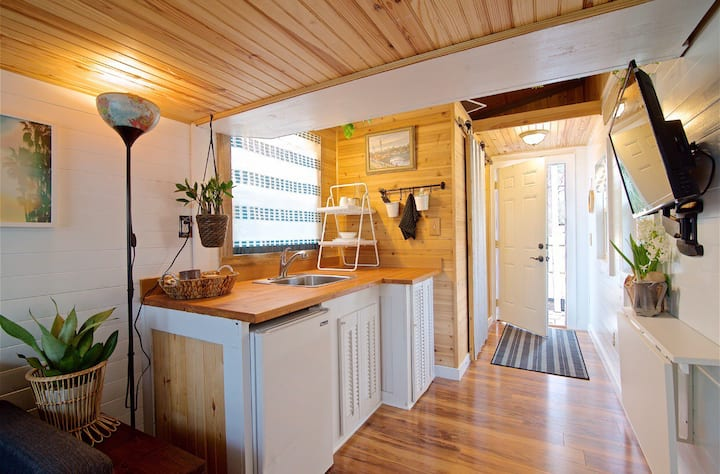 Private, cozy, tiny house is your oasis!