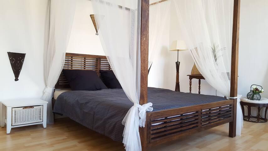 Belle chambre a Marseille a cote de Vieux Port.
