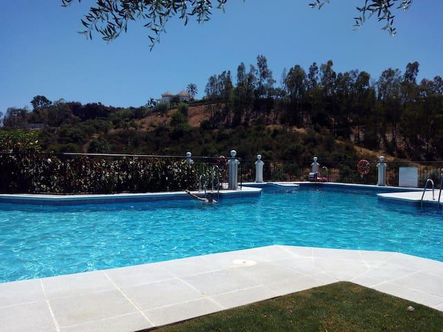 Apartamento cerca de Marbella - Benahavís - Flat