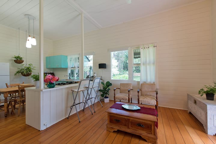 Cottage in the Byron hinterland