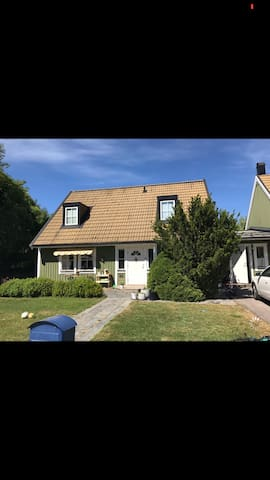 Cozy house in friendly area close to Stockholm