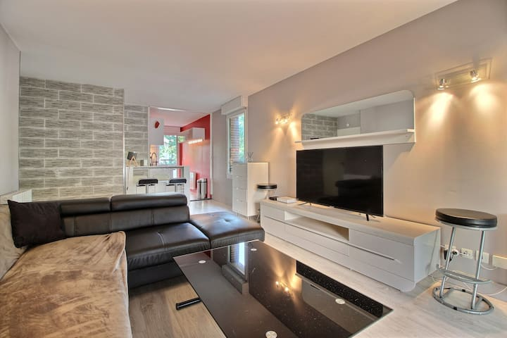 Apartment of high standard with pool & carpark