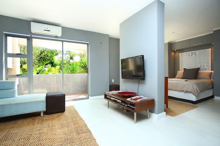 Modern 1 Bedroom in quiet part of Sandton - Sandton - Apartamento