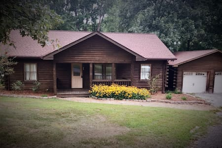 Cabin, Family, Duck Hunt, Fish, TN River/KY Lake