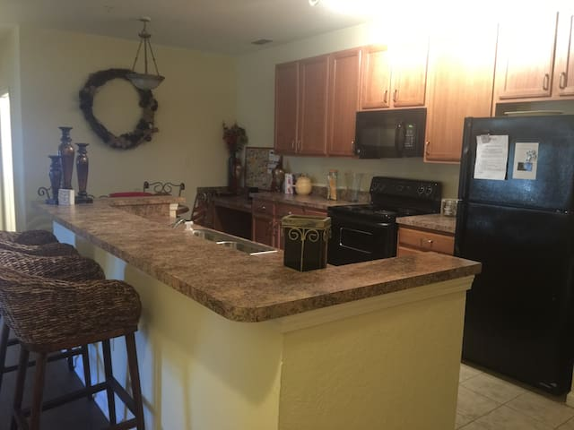 Vibrant 3BR Apartment - Gulf shores  - Byt