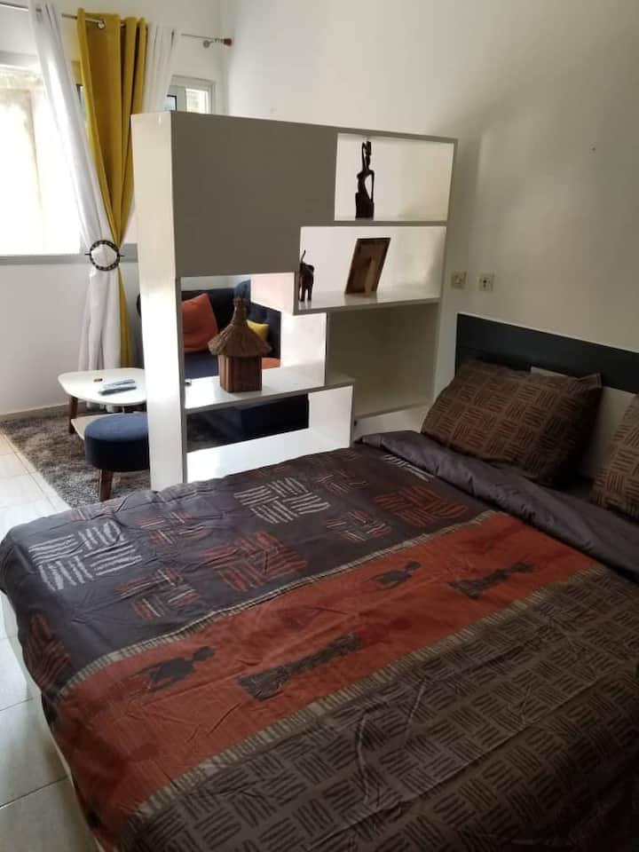 Studio meublé près du Bushman Café - Riviéra Golf