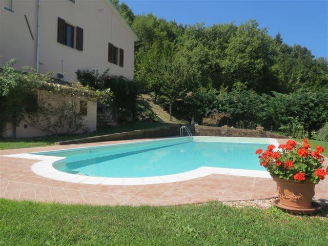 Appartamento immerso nel verde vicino Urbino - Fermignano - Wohnung