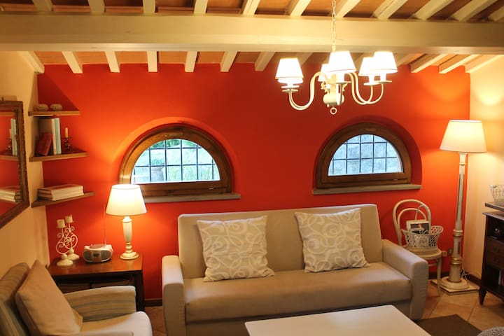 LOVELY COUNTRY HOUSE IN TUSCANY ❤️ MASSA E COZZILE - Massa e Cozzile - อพาร์ทเมนท์