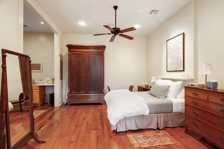 Centrally Located Historic Loft Overlooking Park