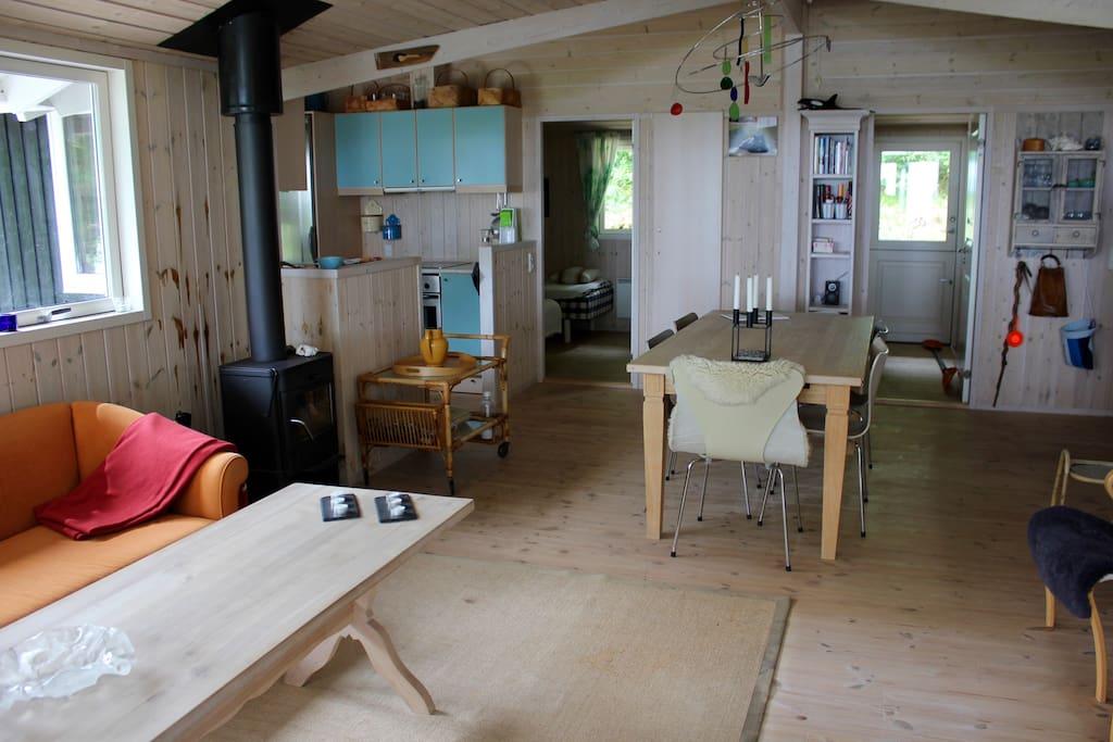 Stue, spisestue, køkken