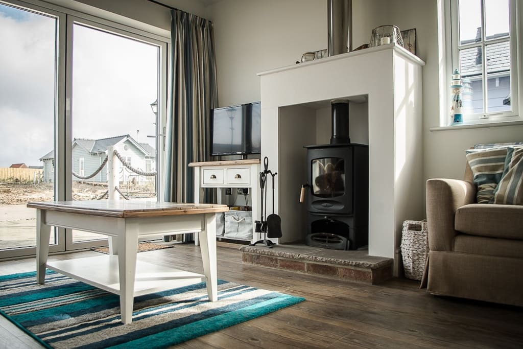 Log-burner makes the house ideal for breaks all year round