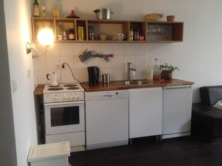 Cosy little flat with garden near Mauerpark