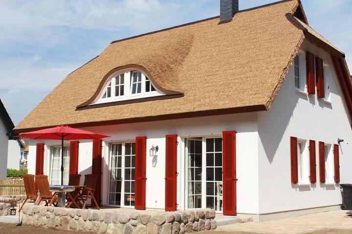 TOP 5***** OG Ferienwohnung im Reethaus - Koserow - Holiday home