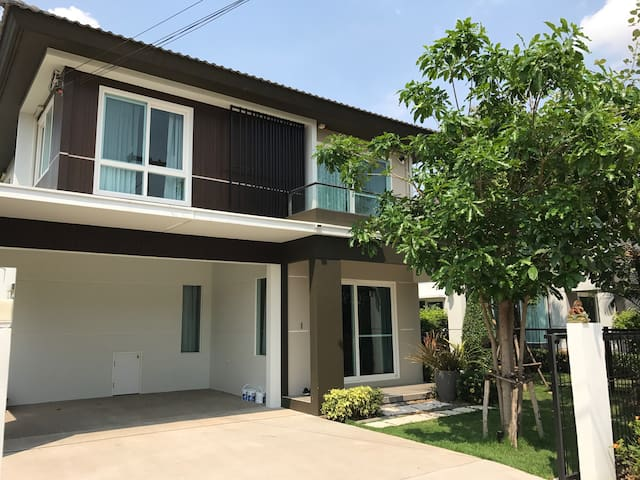 สีวลี A full nice furnished house with low price. - Kut Sa - House