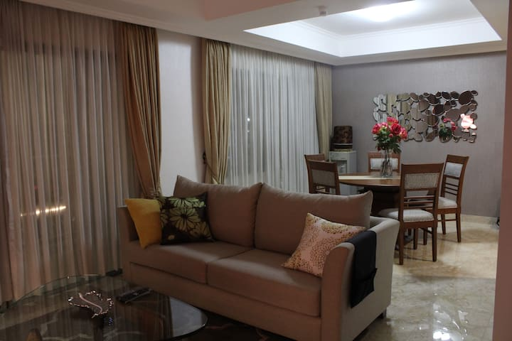 newly refurbished cozy apartement at Kuningan Area - Setiabudi - Leilighet