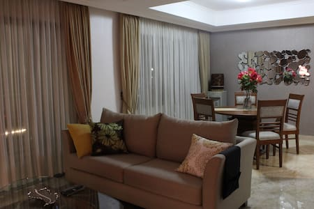 newly refurbished cozy apartement at Kuningan Area - Setiabudi - Apartamento