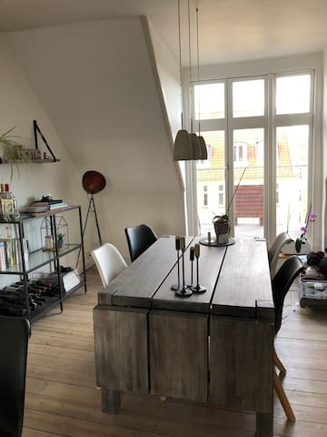 Central apartment in the hip Vesterbro