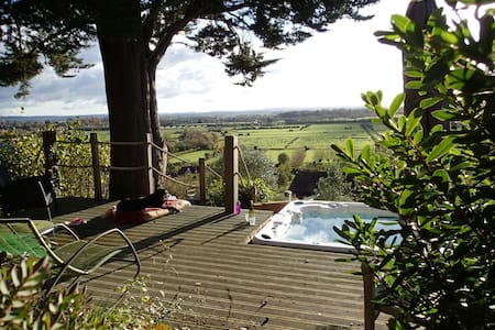 Rose Lodge, Eco Lodge with Hot Tub