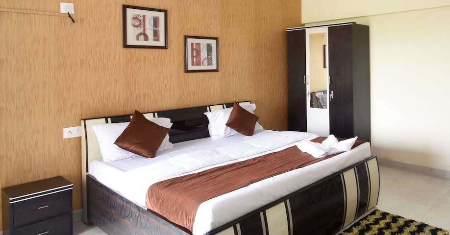Service Apartments in Kurla , Mumbai - KURBA1