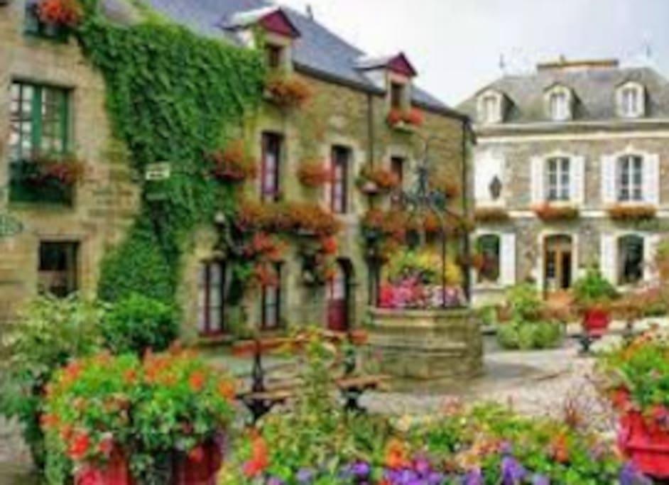 15 km de la maison le village préféré des français.