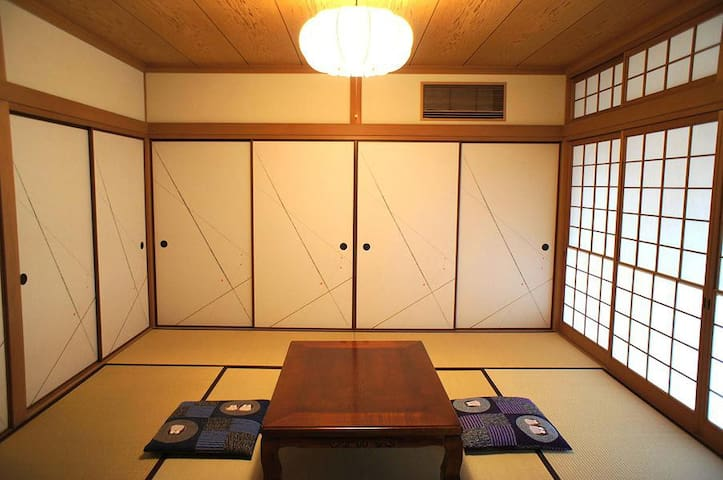Busicon-house B room in Gakuenmae. Woman only.