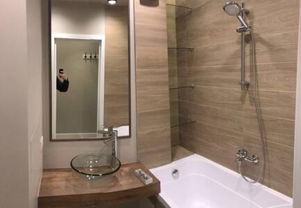 Евродвшка для молодых и современных - Moskva - Hotellipalvelut tarjoava huoneisto