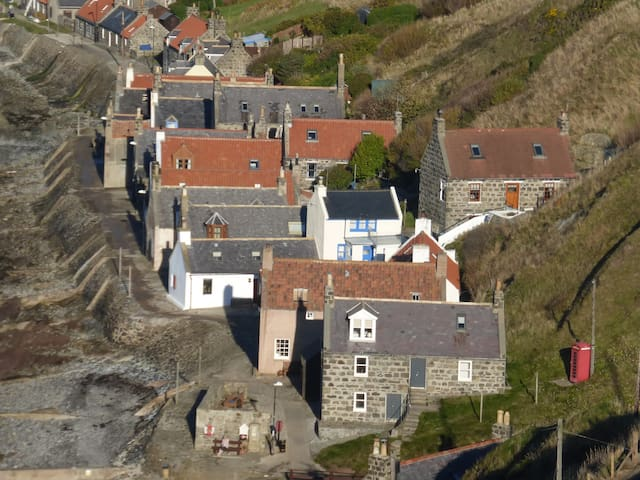 Crovie Cottage, Aberdeenshire - Gardenstown
