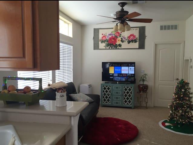 Warm Clean Safe Home (干净舒适温馨的家) - Fremont - House