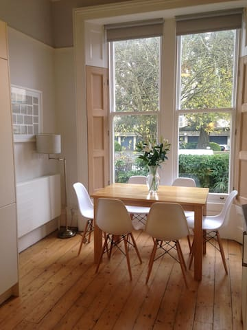 Stunning 2 bed/2 bath period flat by The Downs - Bristol - Apartment