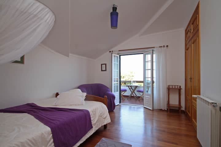 Quinta Beira-Mar, sunny room with sea-view