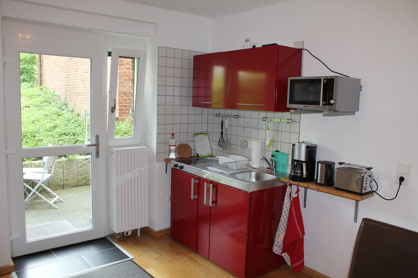 Entrance with Kitchen