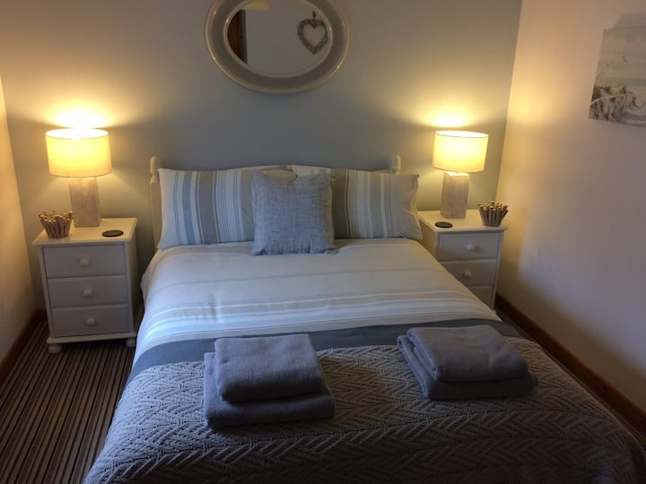 The Snug - Boscastle - guest suite with parking