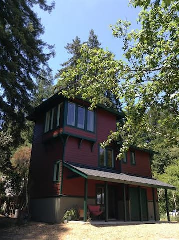 Romantic Santa Cruz Tower in the Redwoods - Santa Cruz - Huis