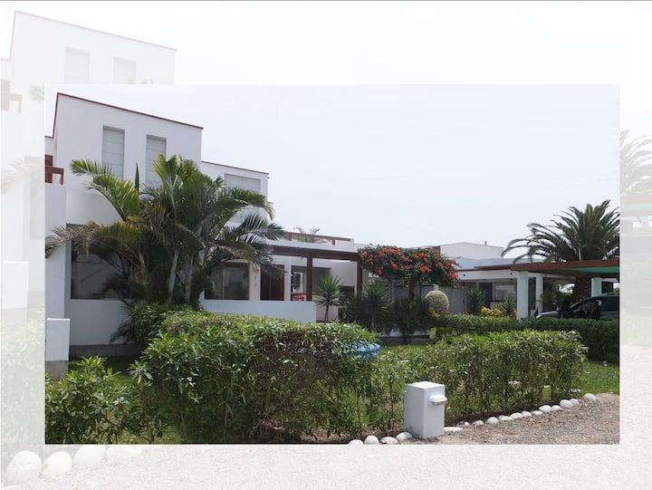 Casa de Playa en Asia, cerca a playa y boulevard