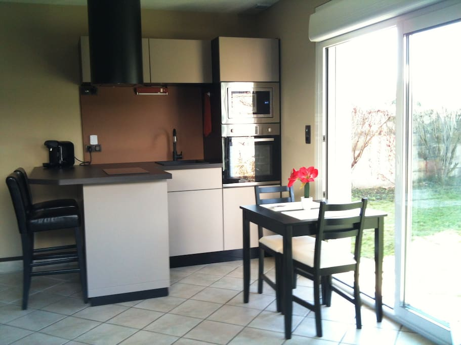 appartement proche centre apartments for rent in nevers bourgogne franche comt france. Black Bedroom Furniture Sets. Home Design Ideas