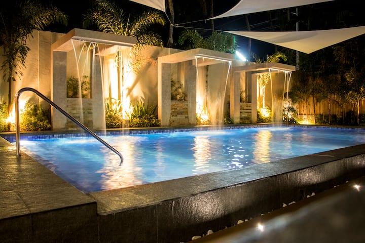 California Beach Pansol Villa 1