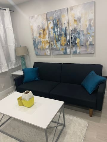 Stylish Modern Space in the Heart of Downtown