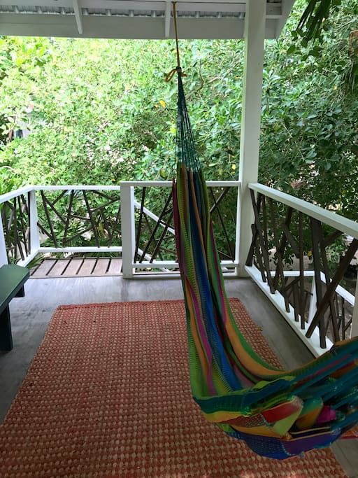 Treehouse close to the beach! Win! - Cabanes dans les ...