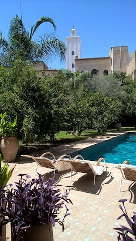 Luxury Riad with magnificent garden&pool